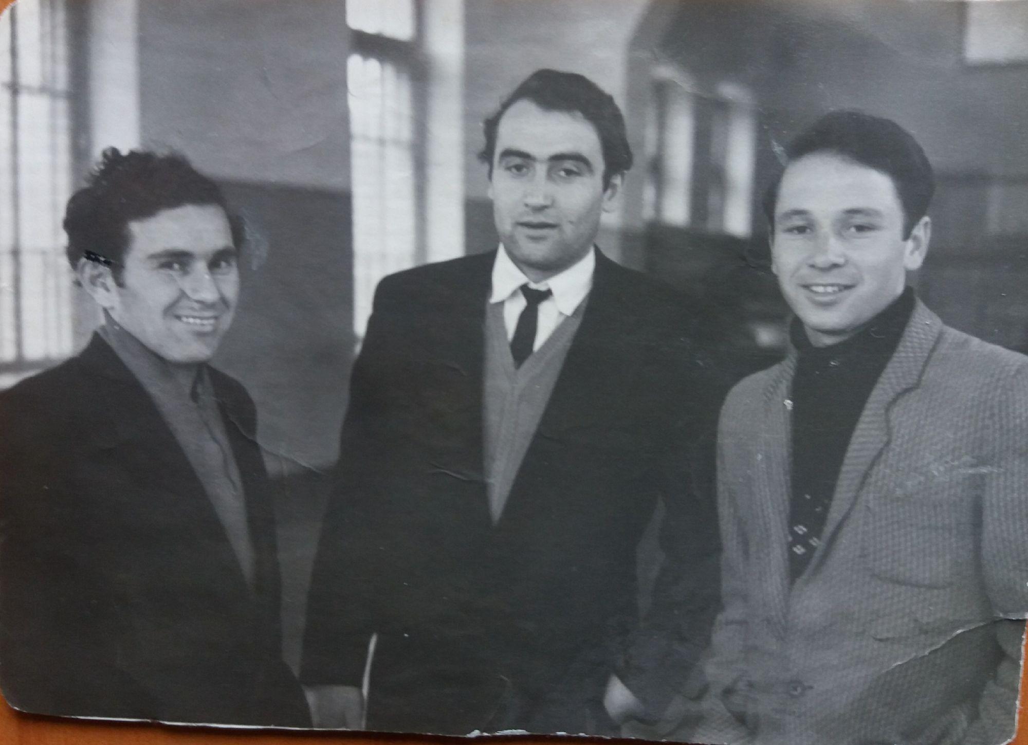 Слева направо: Джиоев Ф.В., Габараев И.В., мой отец Абаев А.С.