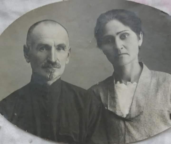 Родители моего деда - мой прадед Абаев Тотр (Фёдор) и моя прабабушка Джаттиева Ольга.