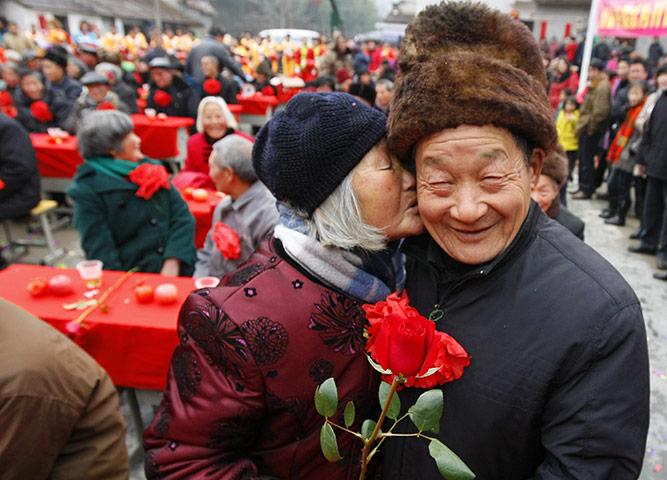 Valentines-Day-Elderly-Couple-China
