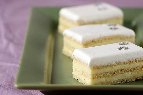 01_dessertfirstgirl_com