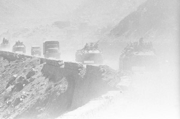 Вывод войск Начало Джелалабад май 1988 - парад-1.jpg