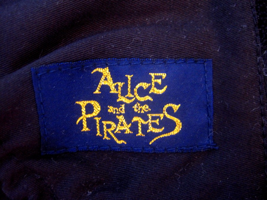 Alice & the Pirates Dulcinea rose bonnet (black)