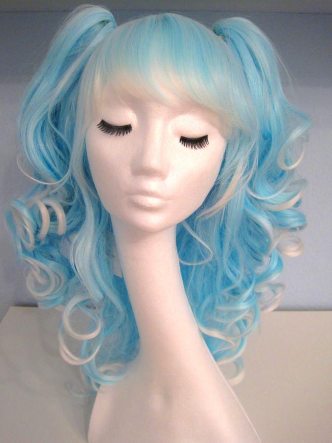Wig blue & white 1