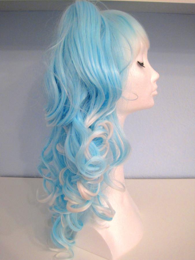 Wig blue & white 2