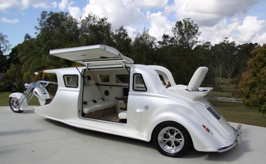 white-harley-limo-4