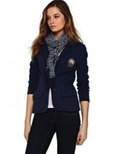 Hilfiger-пиджак-официальное фото на девушке-350