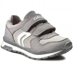 05b93e97 Продаю много новой обуви для мальчика из Европы и Америки: