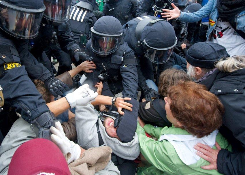 Occupy Maidan image-136832-galleryV9-abcd
