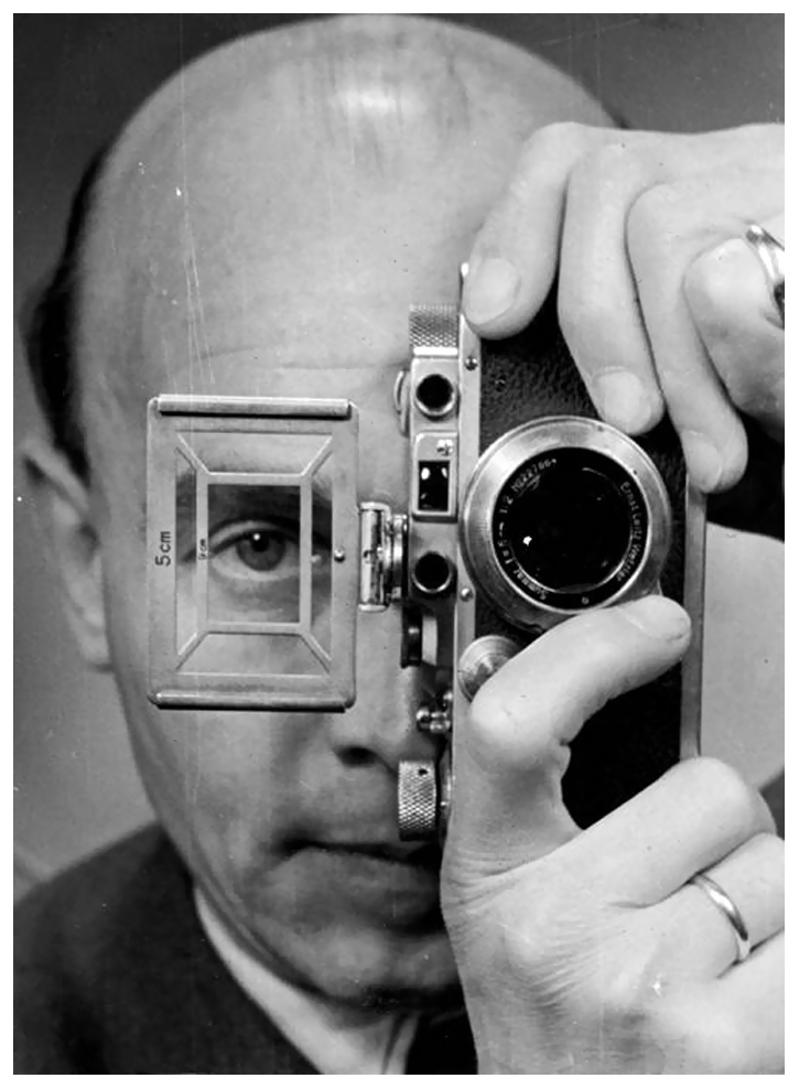 umbo-otto-umbehr-self-portrait-with-leica-1952pst