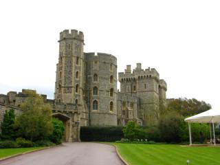 Это не дура, это замок:)