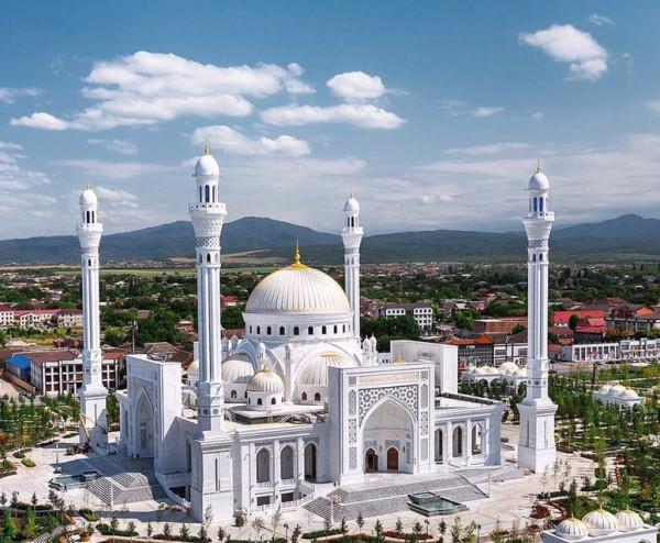 Мечеть Чечни.