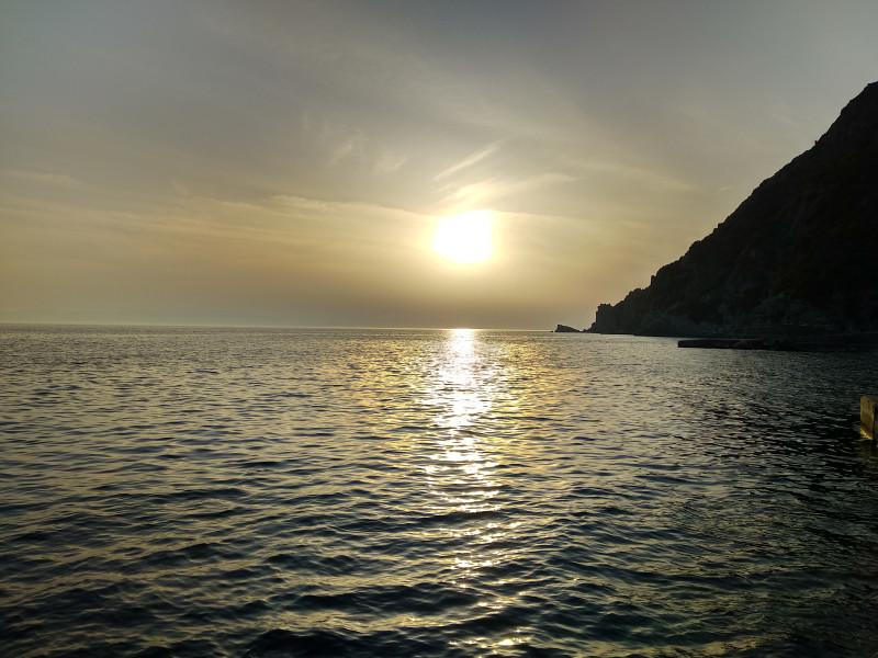 Закат над побережьем Афона