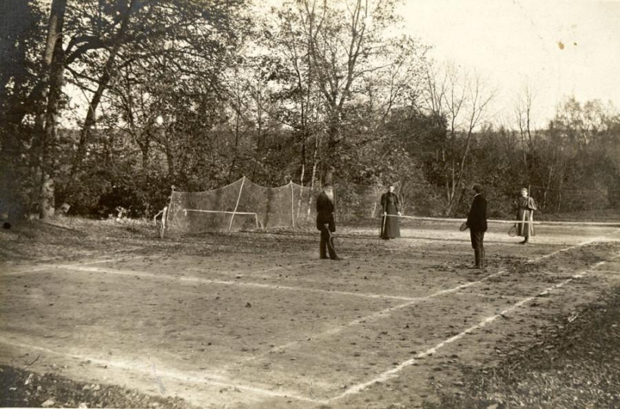 Лев Толстой за игрой в теннис 1896 г.