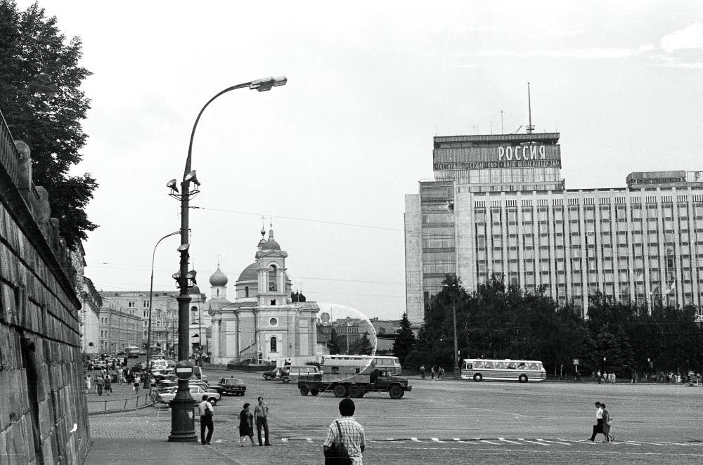 774775 Варваринская церковь и гостиница Россия