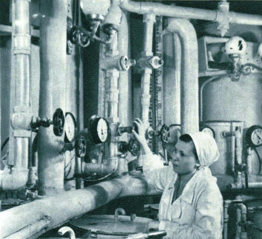 765409 В дозировочном отделении хлебозавода-автомата имени Н.С. Хрущева