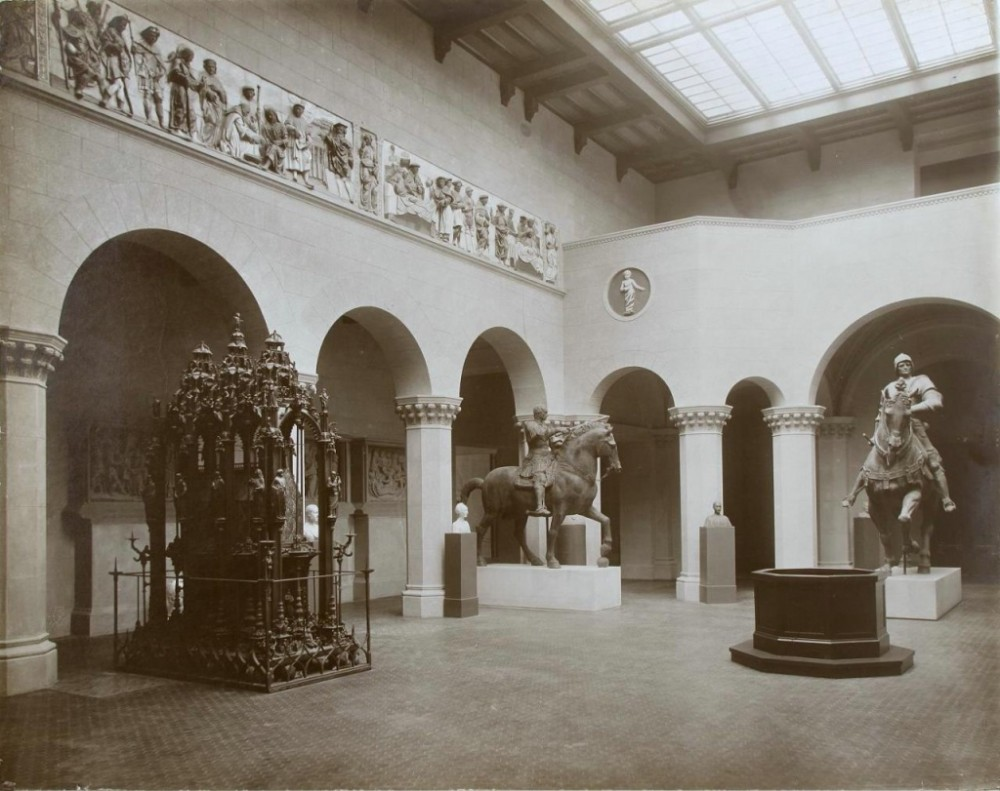 369634 Итальянский дворик Музея изящных искусств им. Александра III