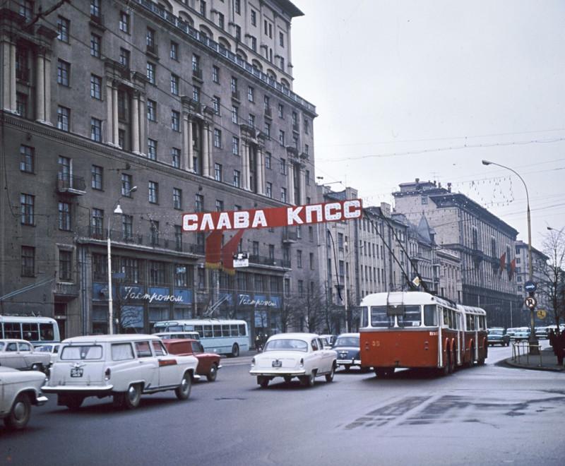 782880 На перекрёстке 1-я Тверская, Хухлаев В.К. 71