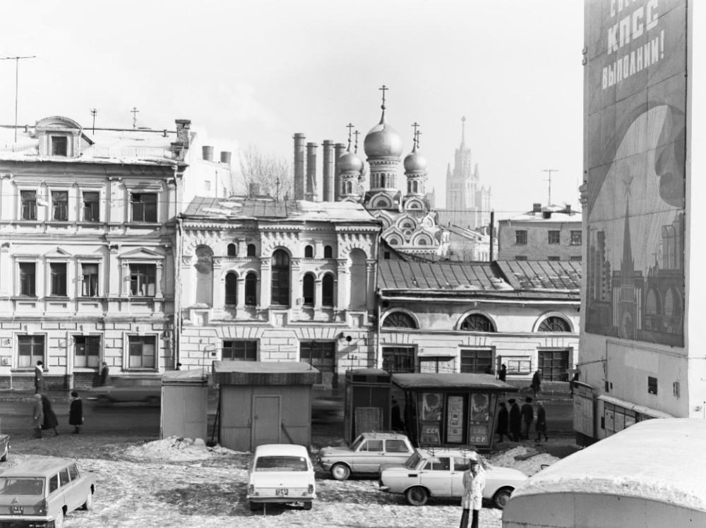 16607 Улица Балчуг 76