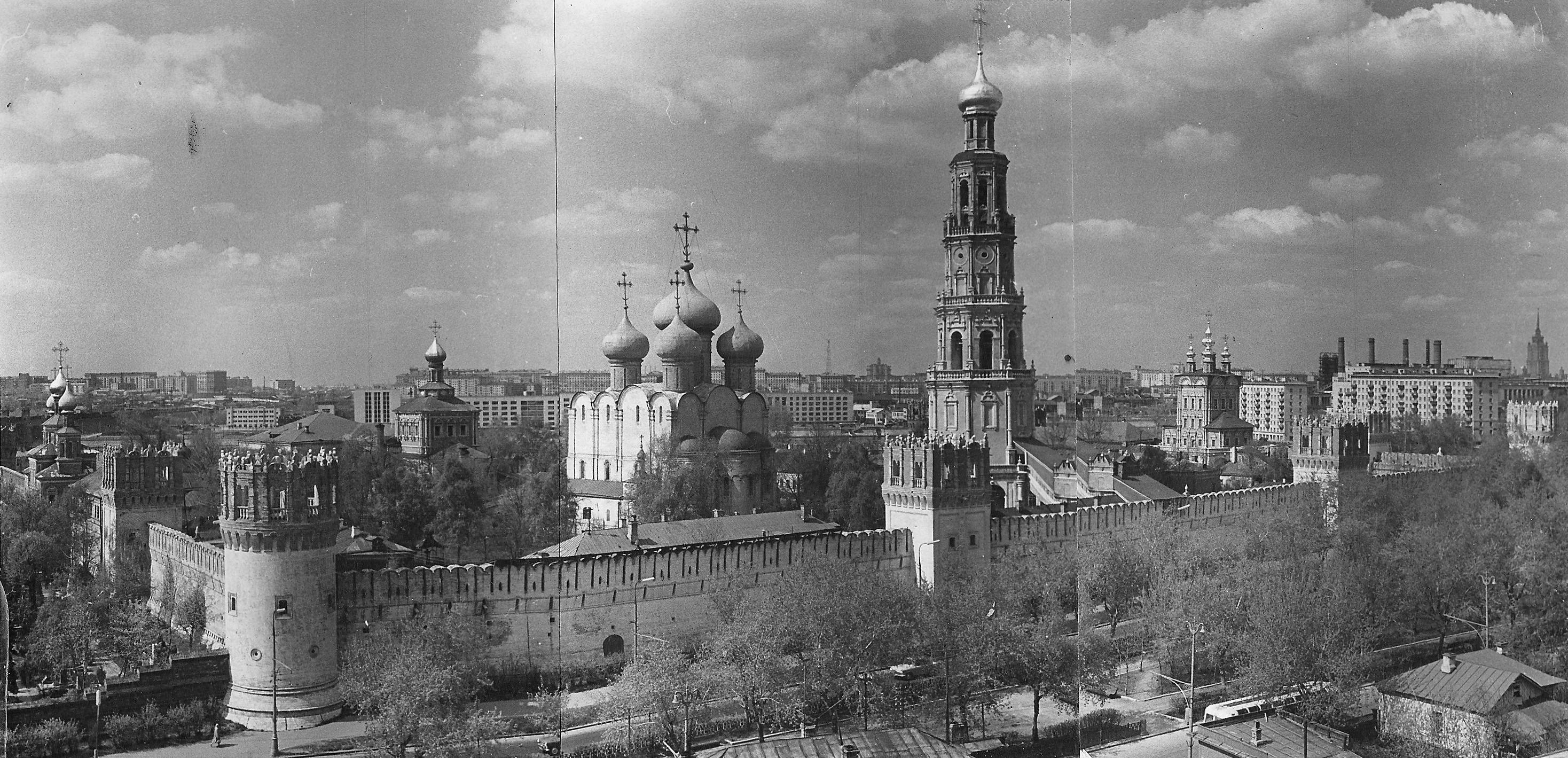 102288 Вид на Новодевичий монастырь