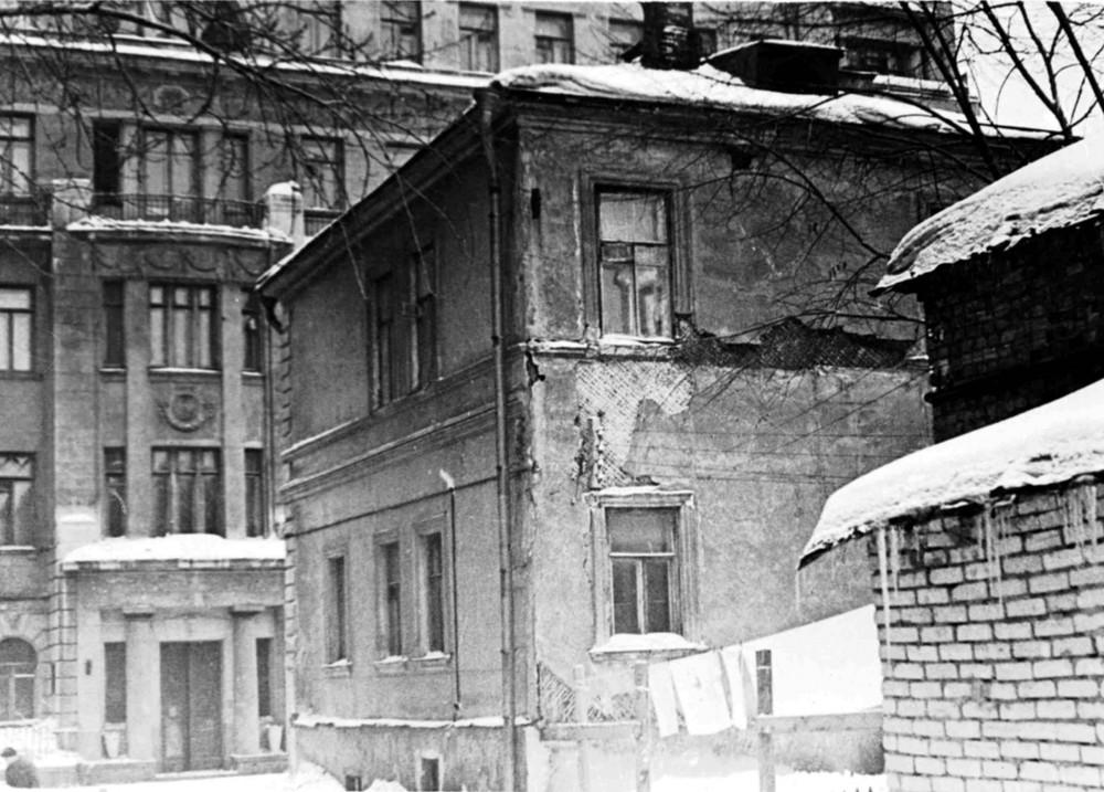 18933 Трубниковский д 28, д 19