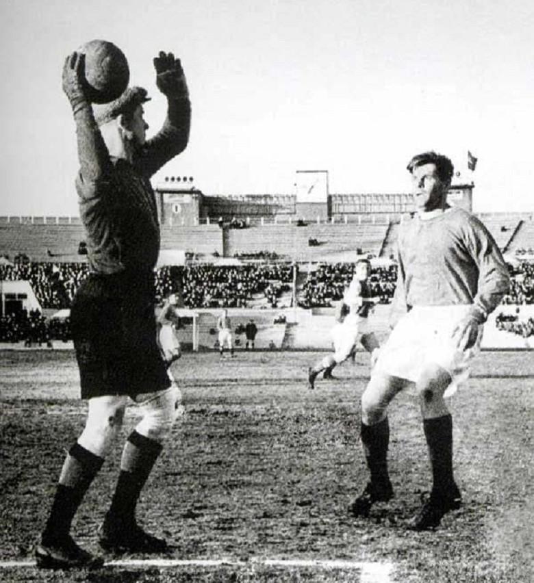 9424 Футбол на «Динамо» 54