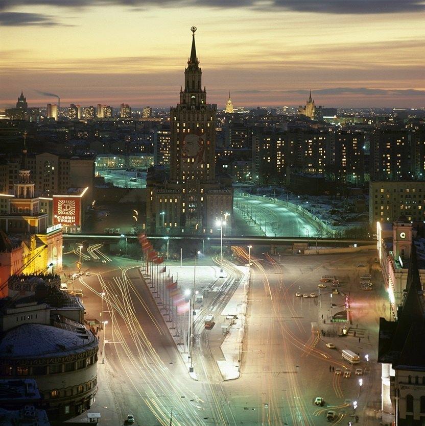 792223 Комсомольская площадь в ноябре Альберт Пушкарев 78