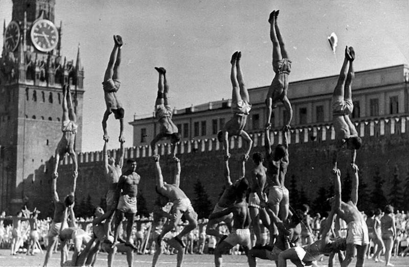 Советские физкультурники