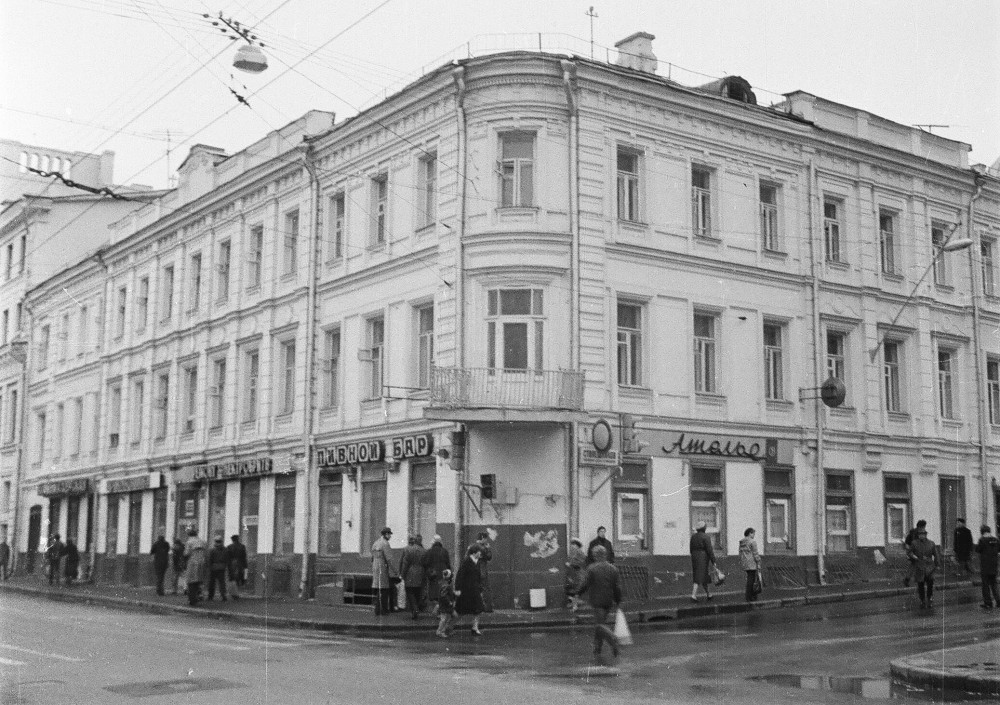 150976 Пушкинская ул. дом № 13-8 И.Нагайцев нач. 80-х