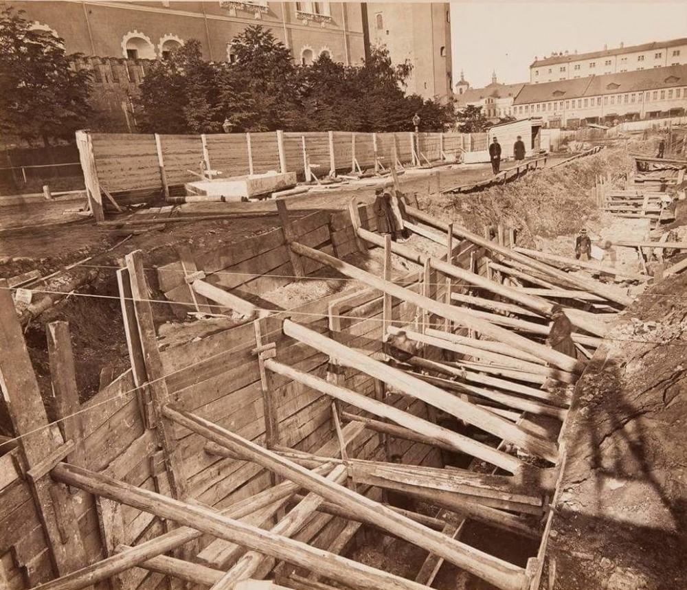 810409 Строительство фундаментов Исторического музея
