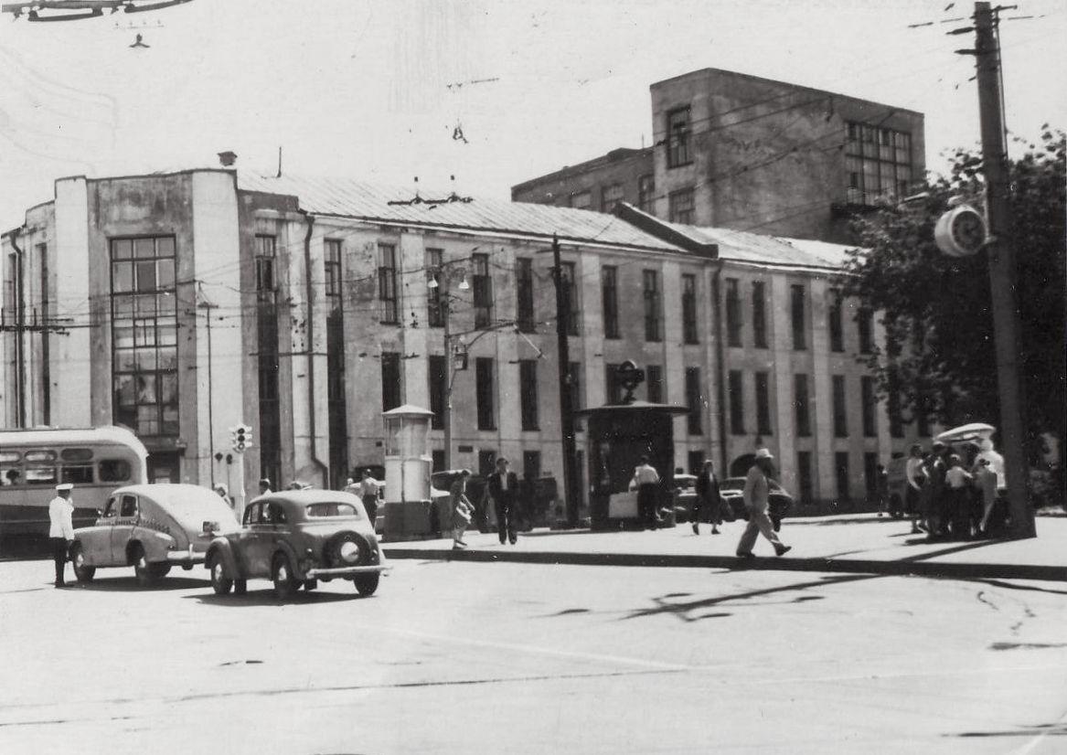 810841 Площадь Петровские Ворота
