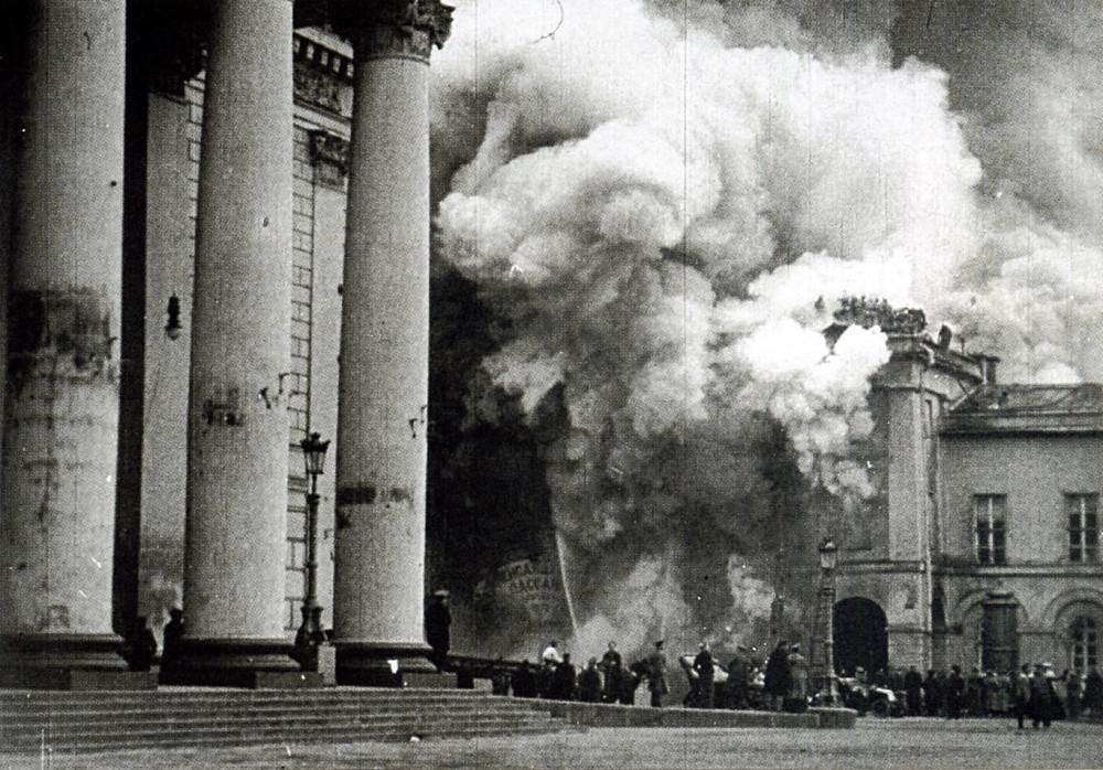 64518 Пожар Александровского пассажа и Малого театра