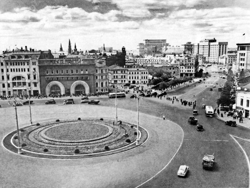 202 Площадь Дзержинского