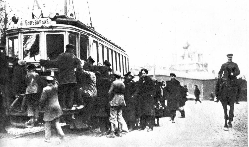 1910-е у Страстного монастыря