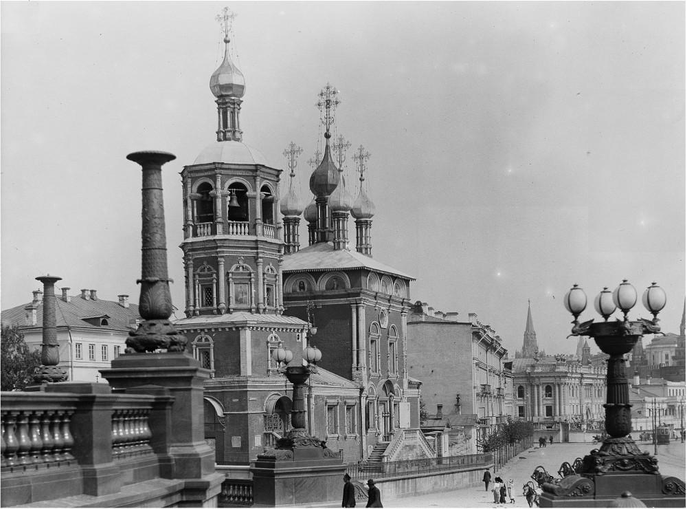 66686 Набержная Храма Христа Спасителя и Кремлевская набережная