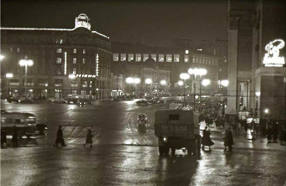 1963. Манежная площадь