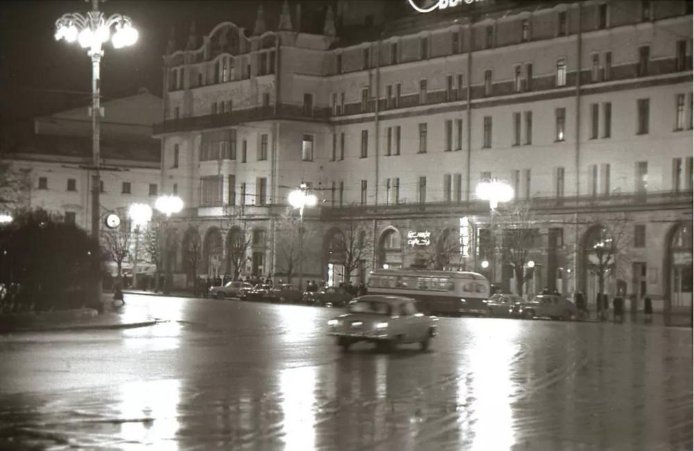 1963. Площадь Революции