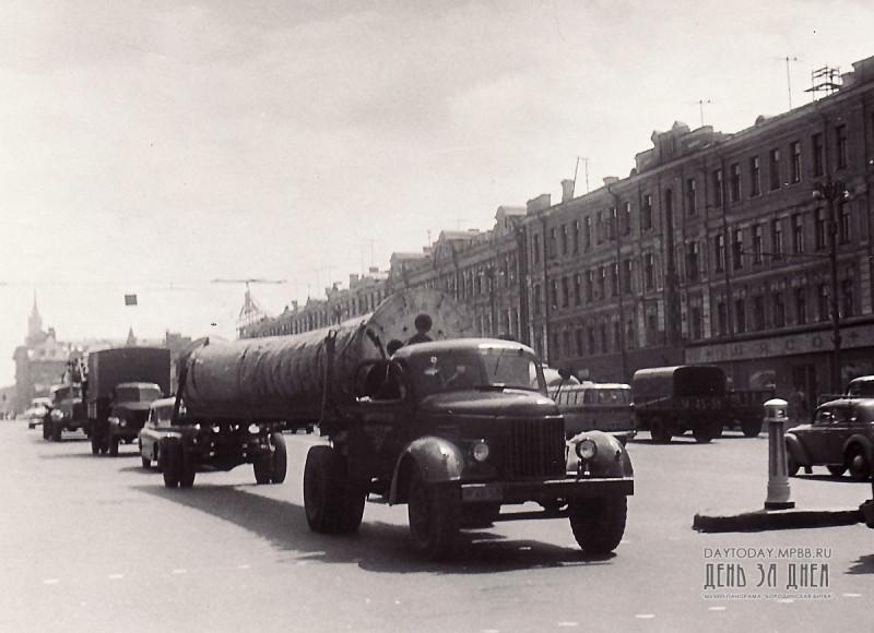 1109482 Доставка Бородинской панорамы в новое здание