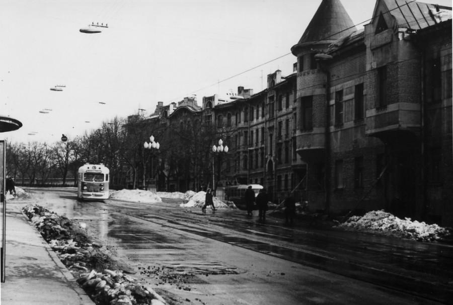 42665 Яузский бульвар мартовским днём 70 С.Пирковский