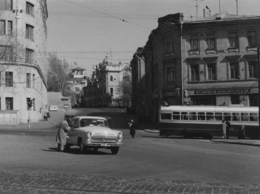 48453 Угол Яузского бульвара и ул. Обуха С.Пирковский