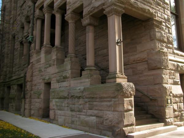 34. Вход в резиденцию лейтенант-губернатора Онтарио