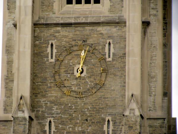 51. Часы на Солдатской Башне