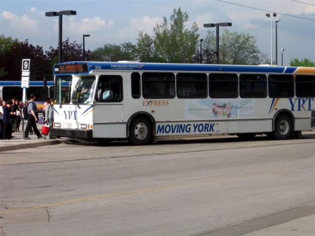 Автобус YRT - York Region Transit
