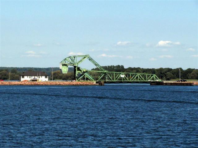 Мост при входе в Ридо-канал.