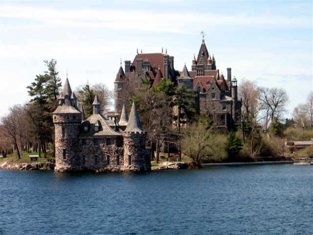 Power House and Boldt Castle on Heart Island