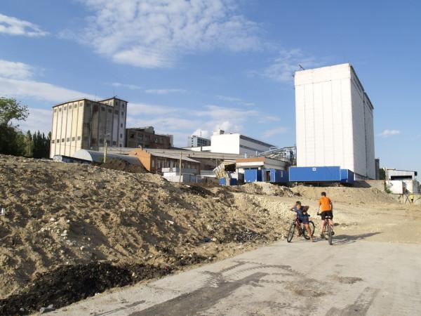 Строительство новой саратовской набережнойительство новой саратовской набережной