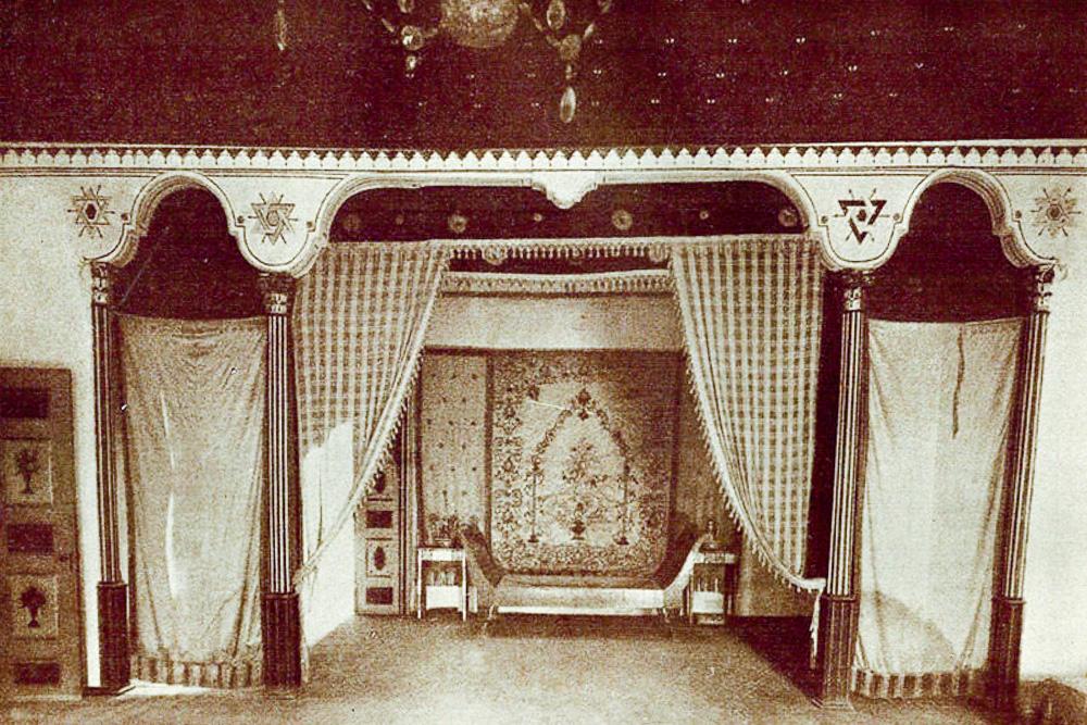 Екатерининская-спальня-в-Ханском-дворце-Бахчисарая.jpg
