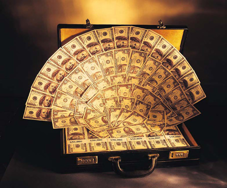 Dollars_in_briefcase