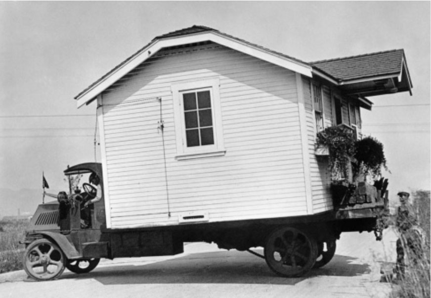 MovingHouse-1