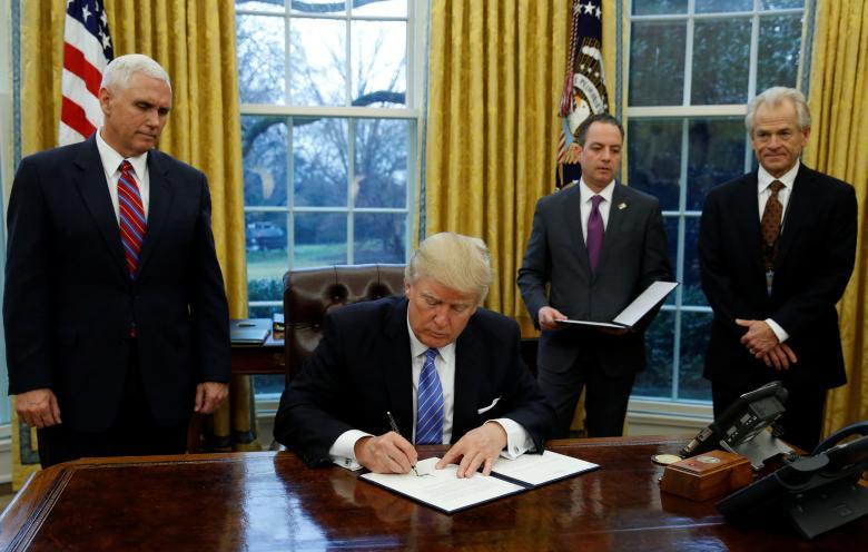 Trump Sign Order