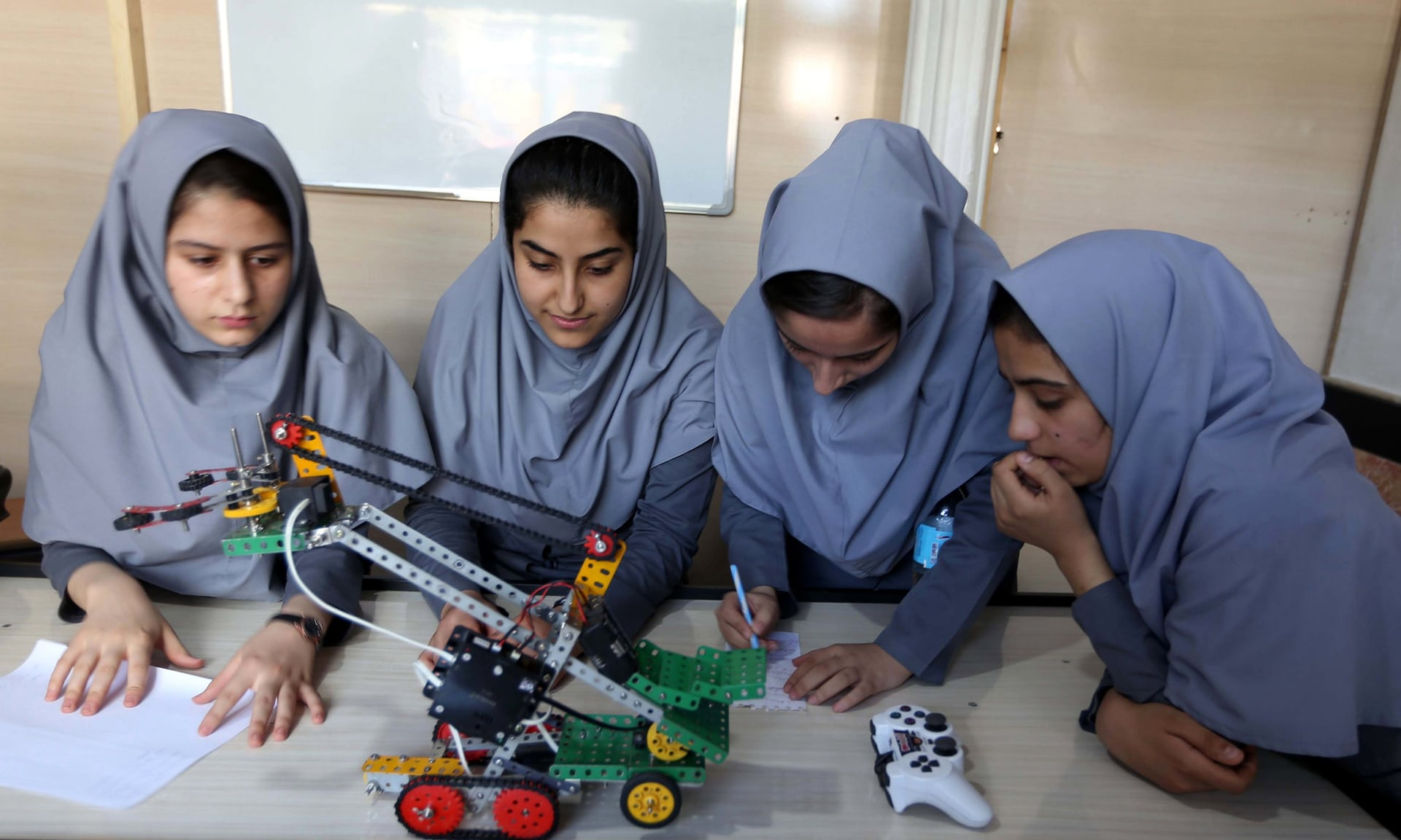 Afghan robotics girls team